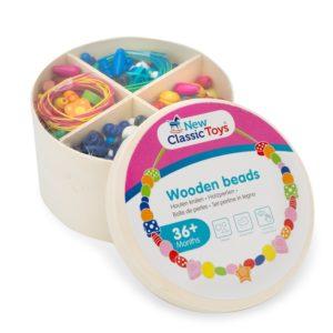 New Classic Toys - Drewniane koraliki w pudełku
