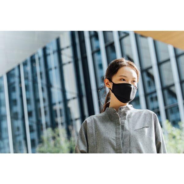 Moshi OmniGuard – Maseczka ochronna wielokrotnego użytku z 3 wymiennymi filtrami Nanohedron (Ocean Black) (rozmiar S)